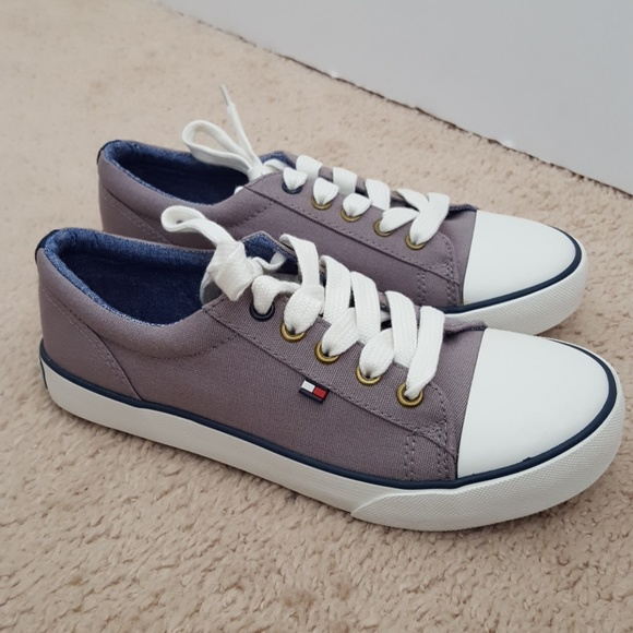Tommy Hilfiger Boys Canvas Sneaker New